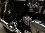Triumph Thruxton caferacer 007.jpg