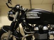 Triumph Thruxton caferacer 013.jpg