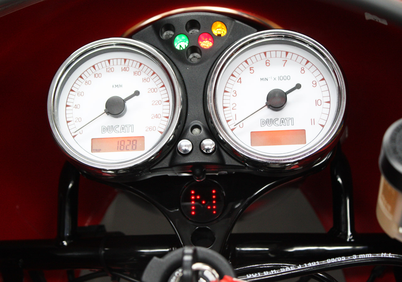 Gear-Indicator-Ducati-Motogadget-Sport-classic-1000